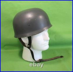 Post German World War II West German Luftwaffe GSG9 Paratrooper Combat Helmet