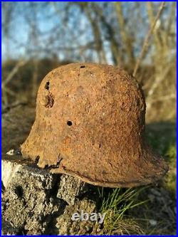 WW1 WW2 German M-16 helmet. Stahlhelm WWll combat helmet. Battlefield helmet