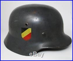 WW2 German Helmet marked ET68 Original paint